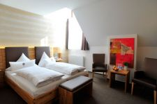 Double bedroom Hotel zum Hirsch